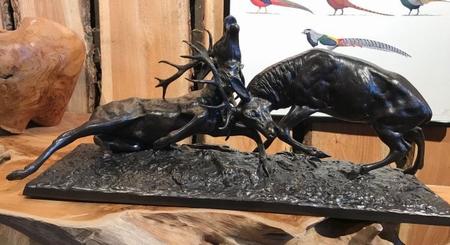 Bronzen Beeld van Vechtende Herten