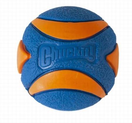Chuckit! Ball Ultra Squeaker Medium