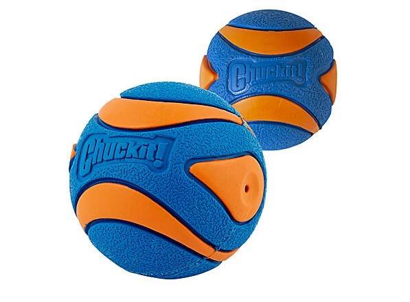 Chuckit! Ball Ultra Squeaker Medium 2pcs.