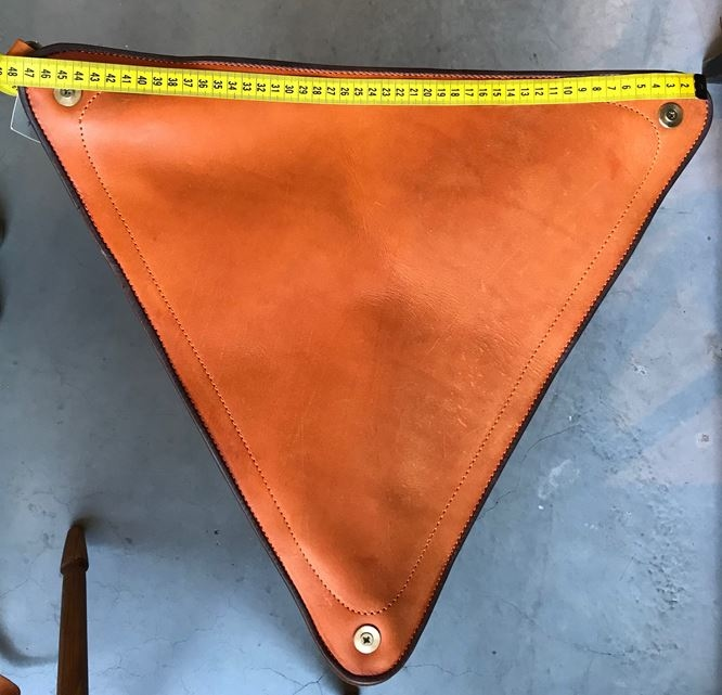 Driepoot Kruk Hout met Leder 67cm